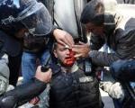 Jedan policajac ubijen, više od 200 povređeno