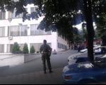 Војни лекар из Ниша претио испред Министарства одбране да ће да се спали