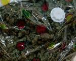 У аутомобилу пронађен пакет са више од два килограма марихуане