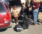 Pronađeno 15 ilegalnih migranata na putu Pirot–Niš, vozač pobegao iz vozila u nepoznatom pravcu?! (FOTO)