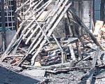 U požaru izgoreli mrtvački sanduci