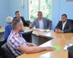 Nedimović uručio ugovore za kupovinu traktora u Žitorađi