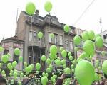Пуштени балони подршке малим херојима, деци оболелој од рака