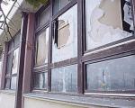 Невиђено: Учионицу затрпали хрпом цепаница