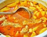 Stari recepti juga Srbije: Domaćinski krompir paprikaš sa piletinom