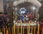 Царски часови - изношење плаштанице у нишком Саборном храму