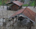Poplave haraju: Evakuisano 383 ljudi