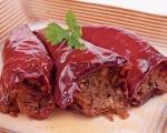 Stari recepti iz Niša: Punjene suve paprike sa orasima