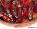 Стари рецепти југа Србије: Пуњене суве паприке са месом на старински начин