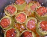 Стари рецепти југа Србије: Пуњене тиквице месом, запечене у парадајзу