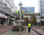 У Нишу почело постављање новогодишње декорације