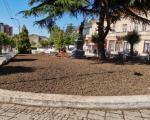 """Prolećno uređenje zelenih površina oko """"Čika Mitinog"""" spomenika u Vranju"""