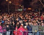 Prokupčani dočekali Srpsku novu godinu uz rakiju, vino i vatromet (Foto)