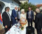 Ambasador Švajcarske posetio bračni par Stanković u Lipovici kraj Leskovca