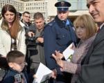 Dete iz Aleksinca s retkom bolešću predalo pismo ministarki