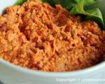 Стари рецепти југа Србије: Урнебес салата са овчијим сиром