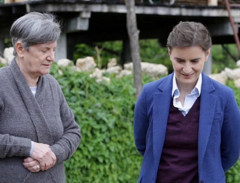 Poseta premijerke Brnabić rodnom mestu njene bake