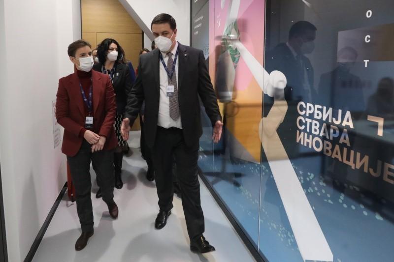 Brnabić u Nišu: Nisu problem bolnički kapaciteti, nema dovoljno zdravstvenih radnika