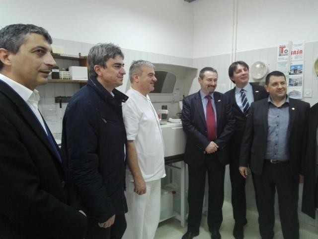 Ротари клуб поклонио Дому здравља у Блацу апарат за биохемијске анализе