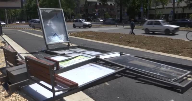 Пало аутобуско стајалиште у Нишу, мушкарац задобио повреде