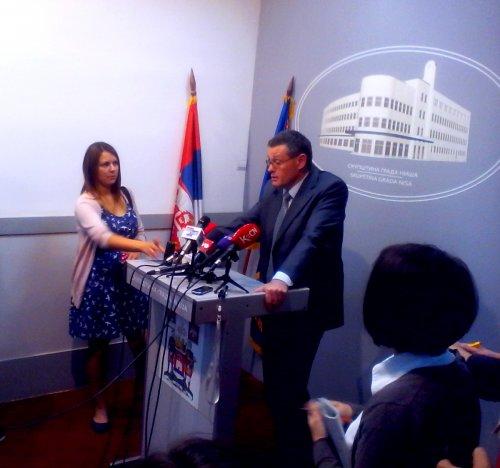 Građani su glasali za Vučića, a ne za Perišića!