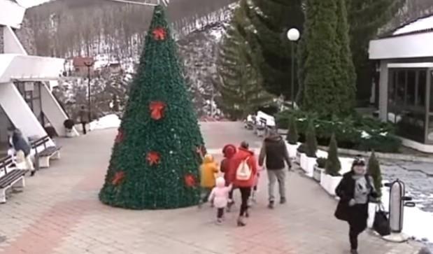 Луковска и Пролом бања све привлачније за родитеље с малом децом