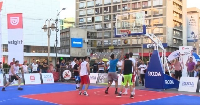 """Tradicionalni turnir u basketu """"3x3"""" u Nišu"""