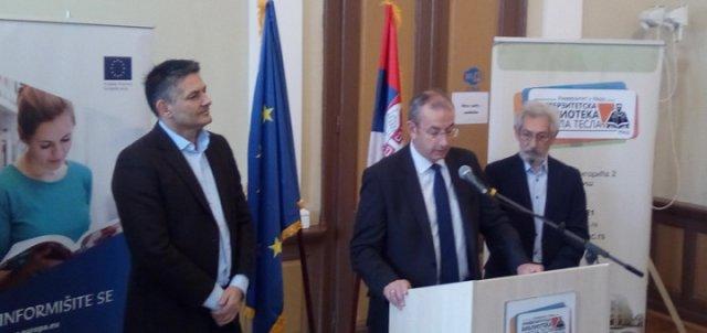 Donacija za Univerzitetsku biblioteku U Nišu
