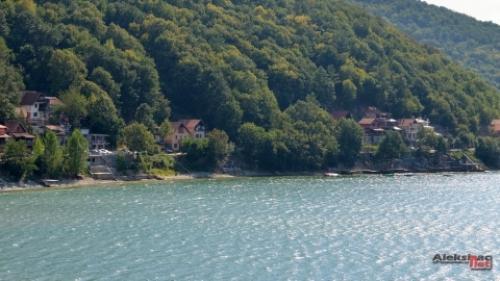 Бованско језеро