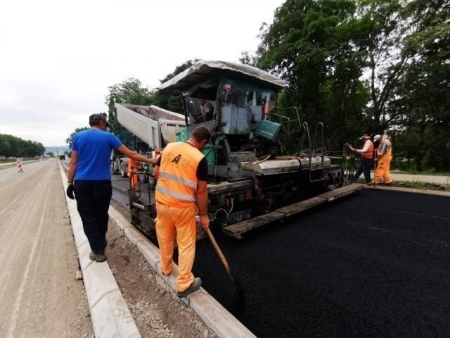 Након војне параде завршетак асфалтирања Булевара Николе Тесле