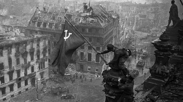 """Данас се обележава Дан победе над фашизмом у Другом светском рату - У Нишу марш """"Бесмртног пука"""""""