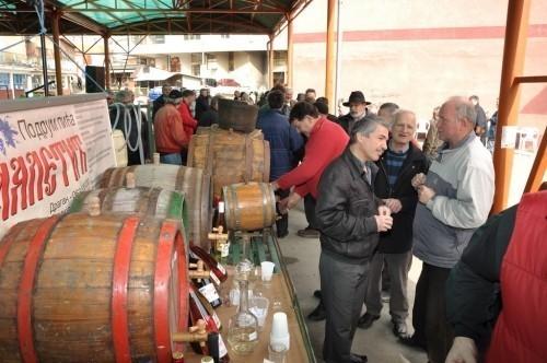 Dani vina u Prokuplju: Pilo se i vino i rakija (Foto)