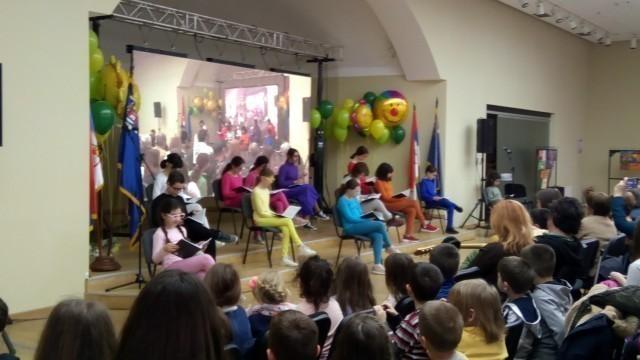 Ко каже да деца не воле књиге: Деца и песници на Медијана фестивалу дечијег стваралаштва и стваралаштва за децу