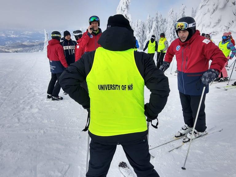 Студенти нишког ДИФ-а задовољни боравком на Копаонику - настава скијања протиче без проблема