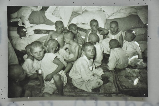 """""""Дијанина деца"""", изложба о жени која је спасила више од 7 хиљада деце из Јасеновца"""