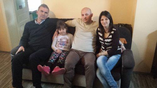 Посланик Милисављевић посетио породицу мале Анастасије