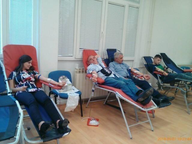 Велики одазив добровољних давалаца крви у Градској општини Медијана