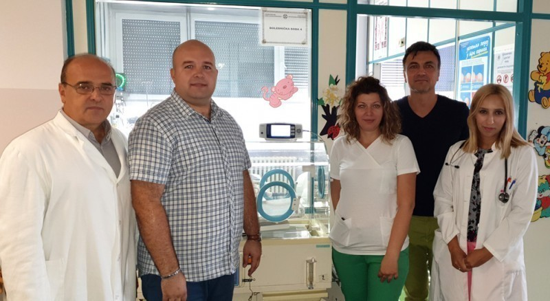 У знак захвалности због лечења сина, припадник Војске донирао вредан апарат КЦ Ниш