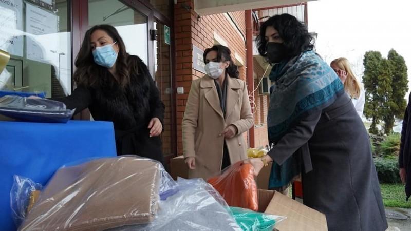 Празнична донација ћебади и топлих одевних предмета Геронтолошком центру у Нишу