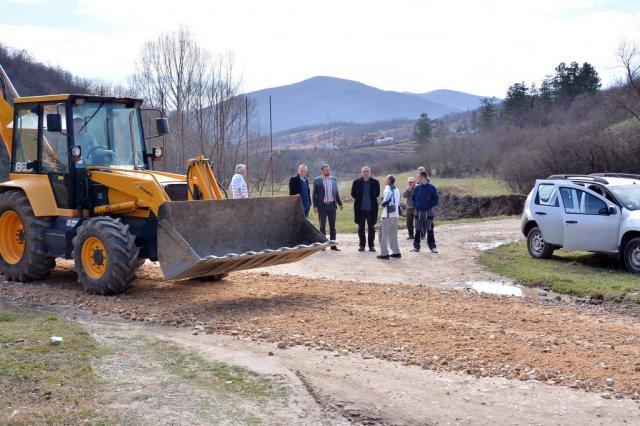 Прокупље: За санацију путева 17 милиона динара