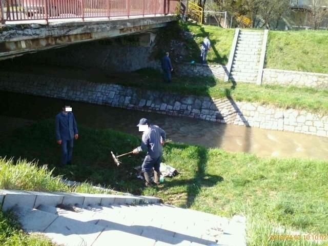 Akcija čišćenja korita Gabrovačke reke, radili i zatvorenici KPZ-a