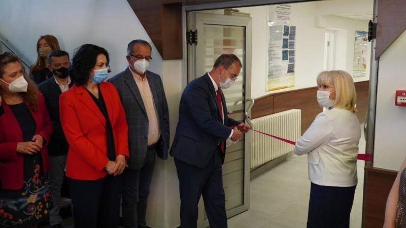 """Godfri otvorio Laboratoriju za medicinsku genetiku """"Džon Frotingam"""" na Medicinskom fakultetu"""