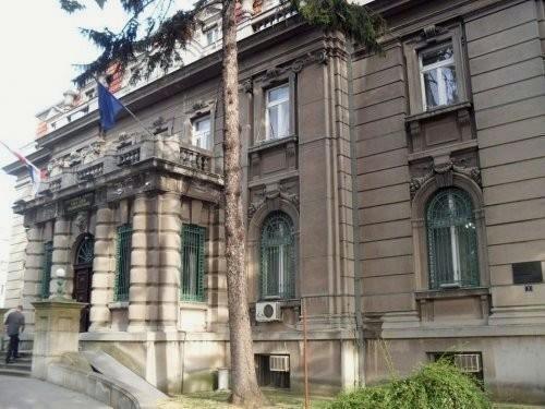 Паљење аутомобила, ударци песницом, хапшење већника... опозиција тражи смену власти у Нишу