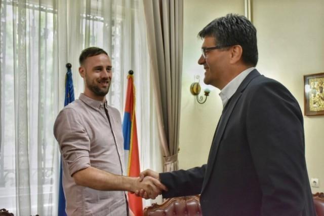 """Експерт из компаније"""" Гугл"""" у посети Нишу"""