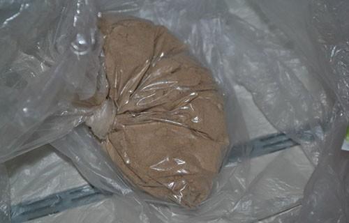 Policija ih jurila - izbacili paketić heroina iz automobila