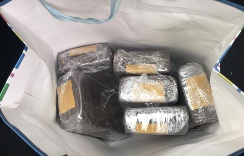 Нишлије и Пироћанац диловали дрогу - заплењено 4,6 килограма хероина