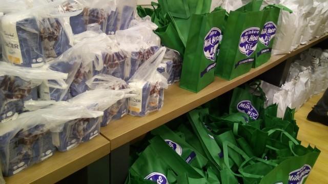 Медијана и Унија пекара даровали пакете намирница за најугроженије у највећој нишкој општини