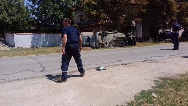 Dve osobe povređene u saobraćajnoj nezgodi na toponičkom putu