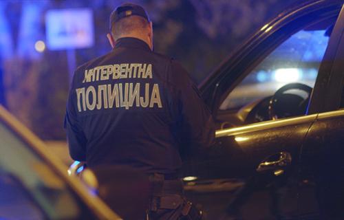 Малолетник из Прокупља, упао у кућу, украо два мобилна телефона и полно узнемиравао старију жену