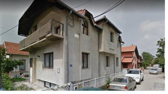 Хитно продајем кућу у центру Лесковца